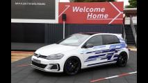 Volkswagen Golf GTE Performance, l'ibrido che dà la carica
