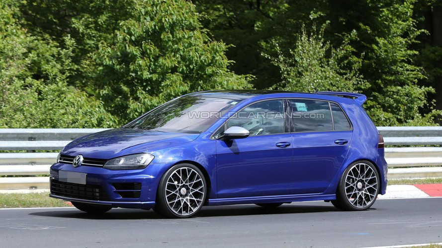 Volkswagen Golf R420 spied for the first time