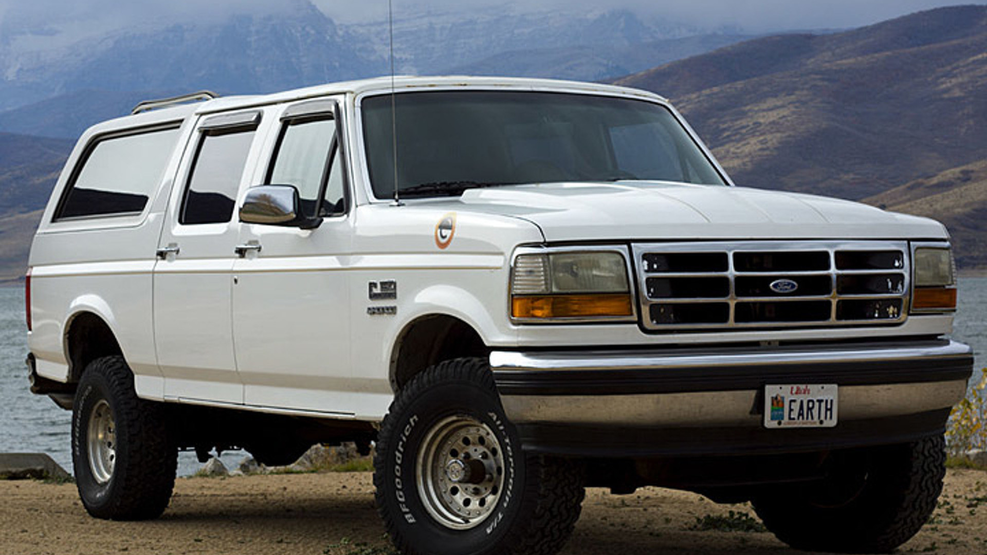 this is the four door ford bronco you didn t know existed. Black Bedroom Furniture Sets. Home Design Ideas