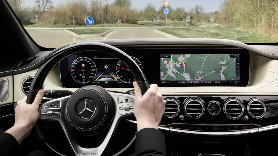 Mercedes S-Serisinin ön konsolu ortaya çıktı