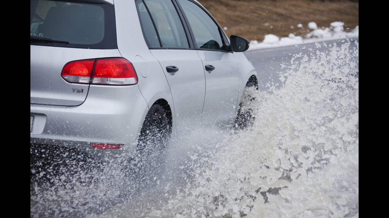 """Michelin lança nos EUA pneu que """"evolui"""" com o tempo; garantia é de 96.000 km"""