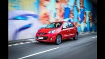 Nissan March ganha visual colorido com pacote
