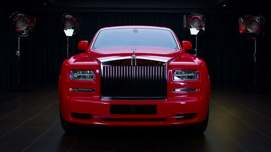 Deux Rolls-Royce Phantom couvertes d'or pour un hôtel de luxe
