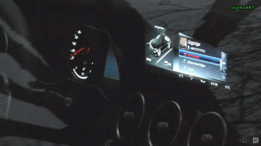 2018 Mercedes C-Serisi yeni bilgi eğlence ekranıyla görüldü