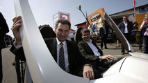 Start of Bertha Benz Route with prime minister of Baden-Würtemberg, Günther Oettinger and Prof Herbert Kohler, chief e-drive and future mobile of the Daimler AG.