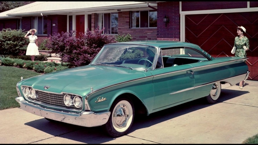 Ford Galaxie Starliner