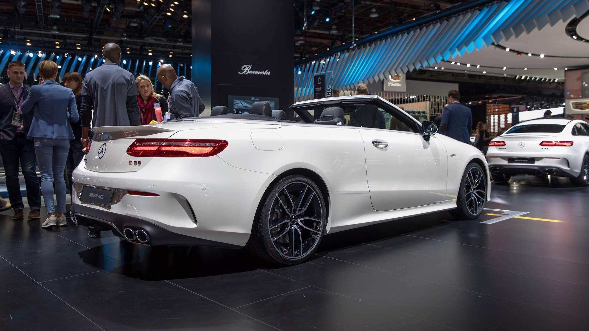 https://icdn-8.motor1.com/images/mgl/rb4RP/s1/2019-mercedes-amg-e53-cabriolet.jpg