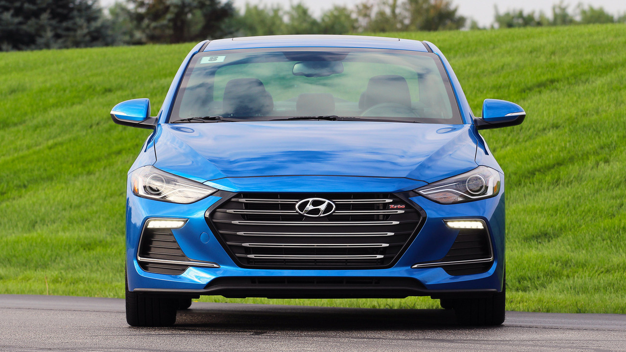 2017 hyundai elantra sport review photo. Black Bedroom Furniture Sets. Home Design Ideas