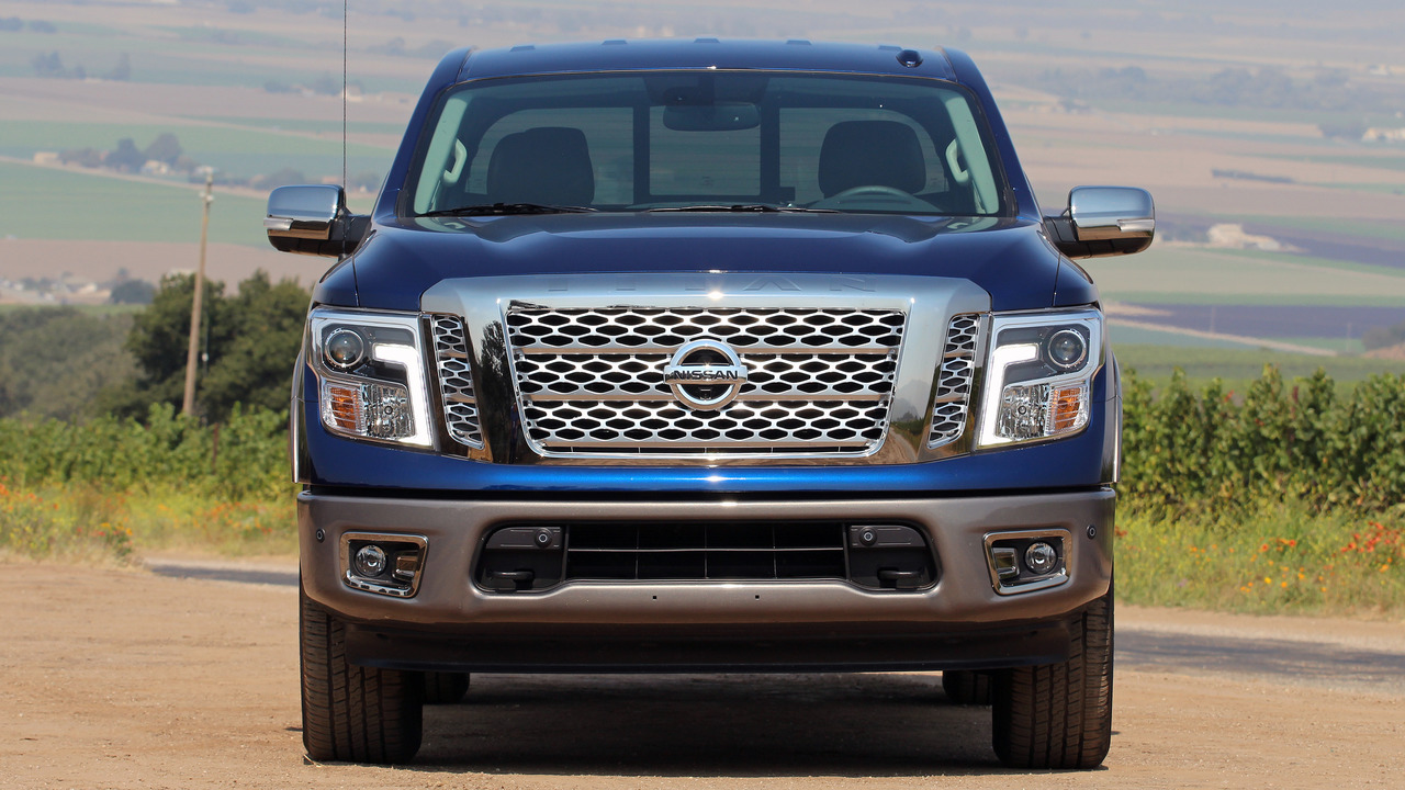 first drive 2017 nissan titan. Black Bedroom Furniture Sets. Home Design Ideas