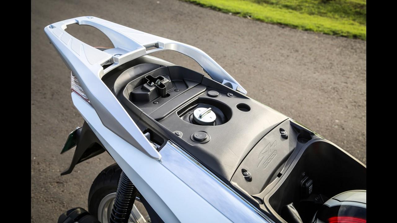 """Volta rápida: Honda SH300i quer ser scooter """"classe A"""""""