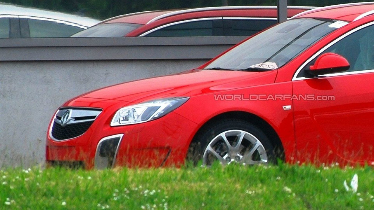 Opel Insignia OPC SportTourer uncovered spy photo