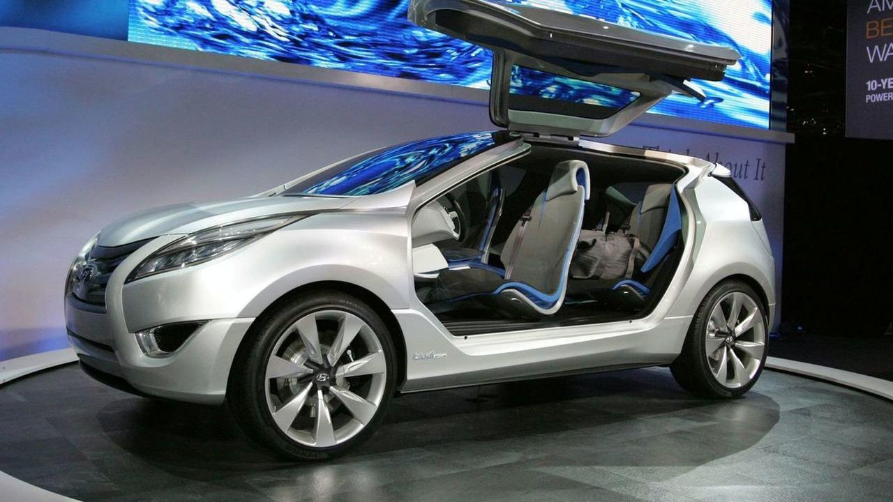 Hyundai Nuvis concept at New York Auto Show 2009