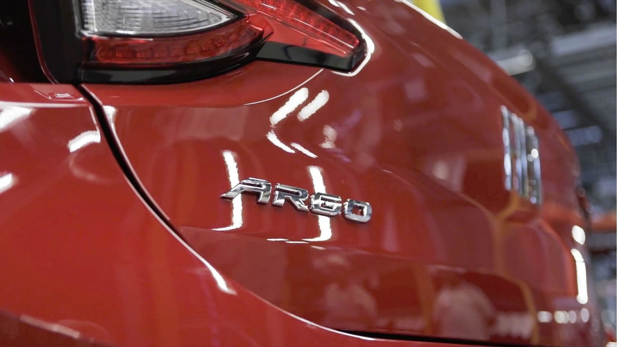 Fiat Argo aparece em vídeo na fábrica de Betim (MG)