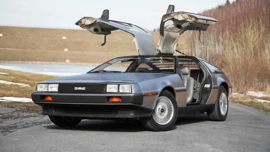 DeLorean kullanıcısı 142 ile gittiği için ceza yedi