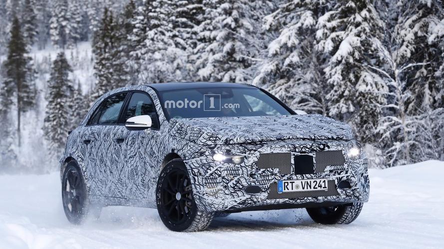 Flagra! - Mercedes-Benz GLA de segunda geração é testado no frio