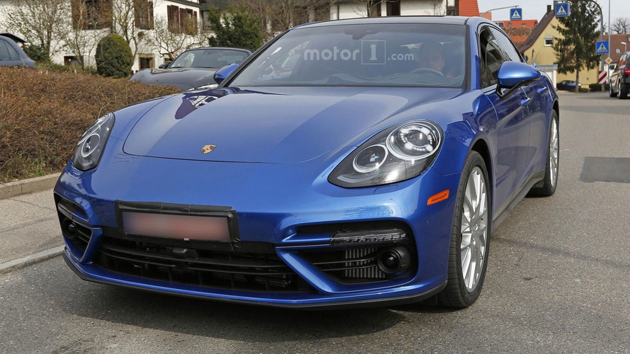2017 Porsche Panamera spy photos