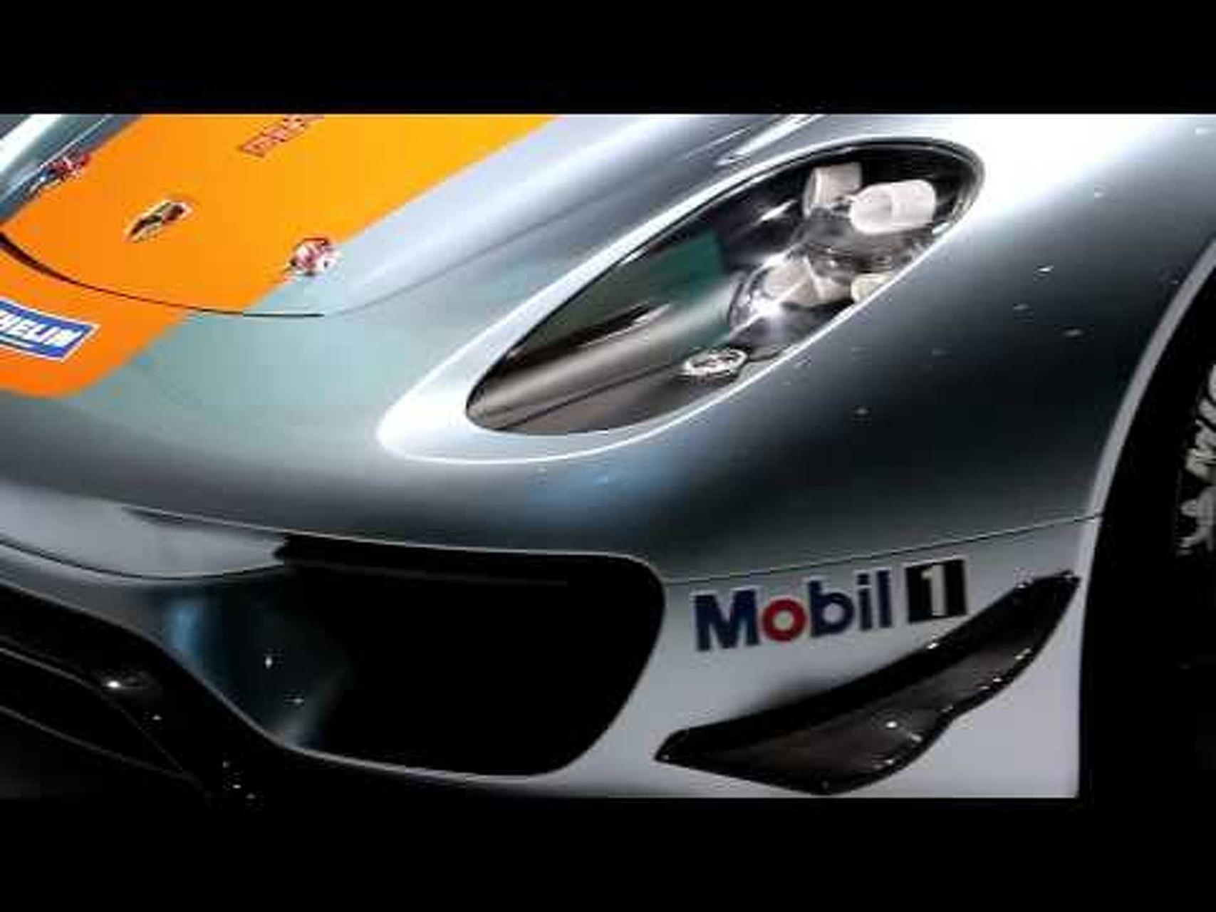 Porsche 918 RSR revealed at the Detroit AutoShow - Wins Best in Show