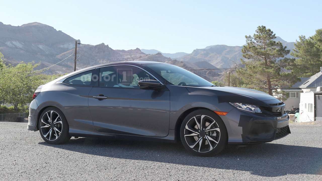 2017 Honda Civic Si spied with center-exit exhaust, larger ...