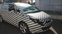 2012 Opel Zafira first spy photos 09.04.2010