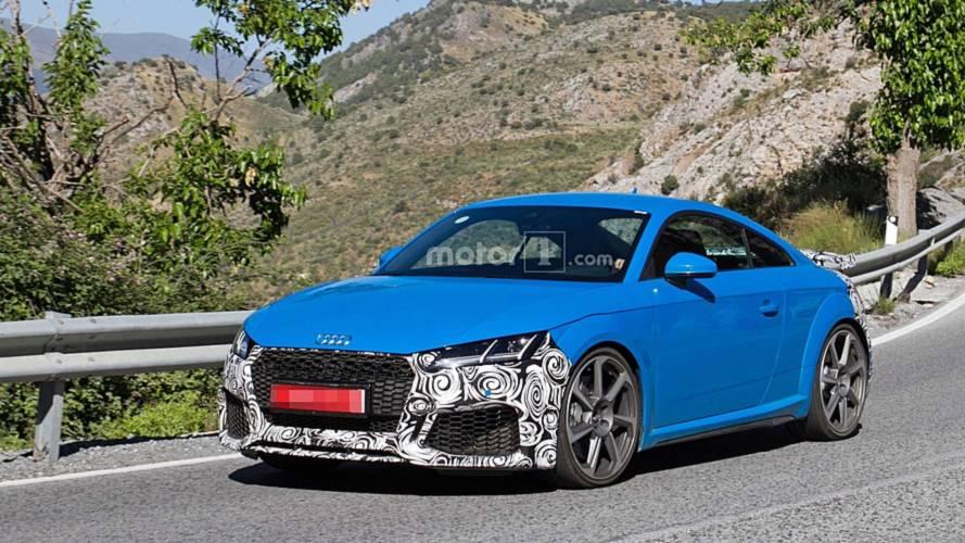 L'Audi TT RS restylée se montre enfin !