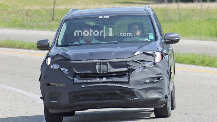 Honda Pilot PHEV spy photos
