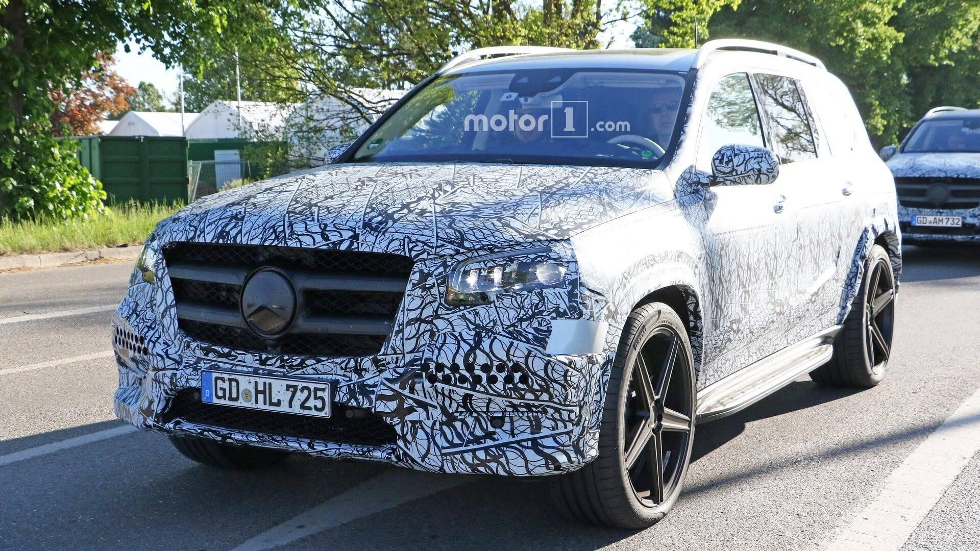 2018 - [Mercedes] GLS II - Page 4 2020-mercedes-gls-spy-photo