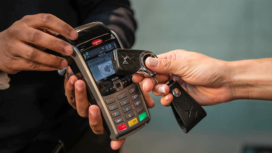 DS 3 Offers First Integrated Contactless Payment Car Key In U.K.