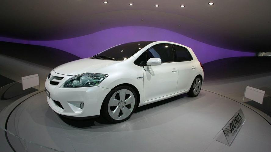 Toyota Auris HSD Full Hybrid Concept in Frankfurt [Video]
