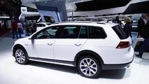 2015 Volkswagen Golf Alltrack at 2014 Paris Motor Show