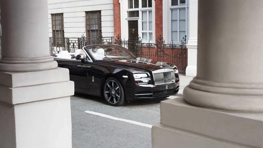 Rolls-Royce Londra bayisi tek örnek Dawn Mayfair ısmarladı