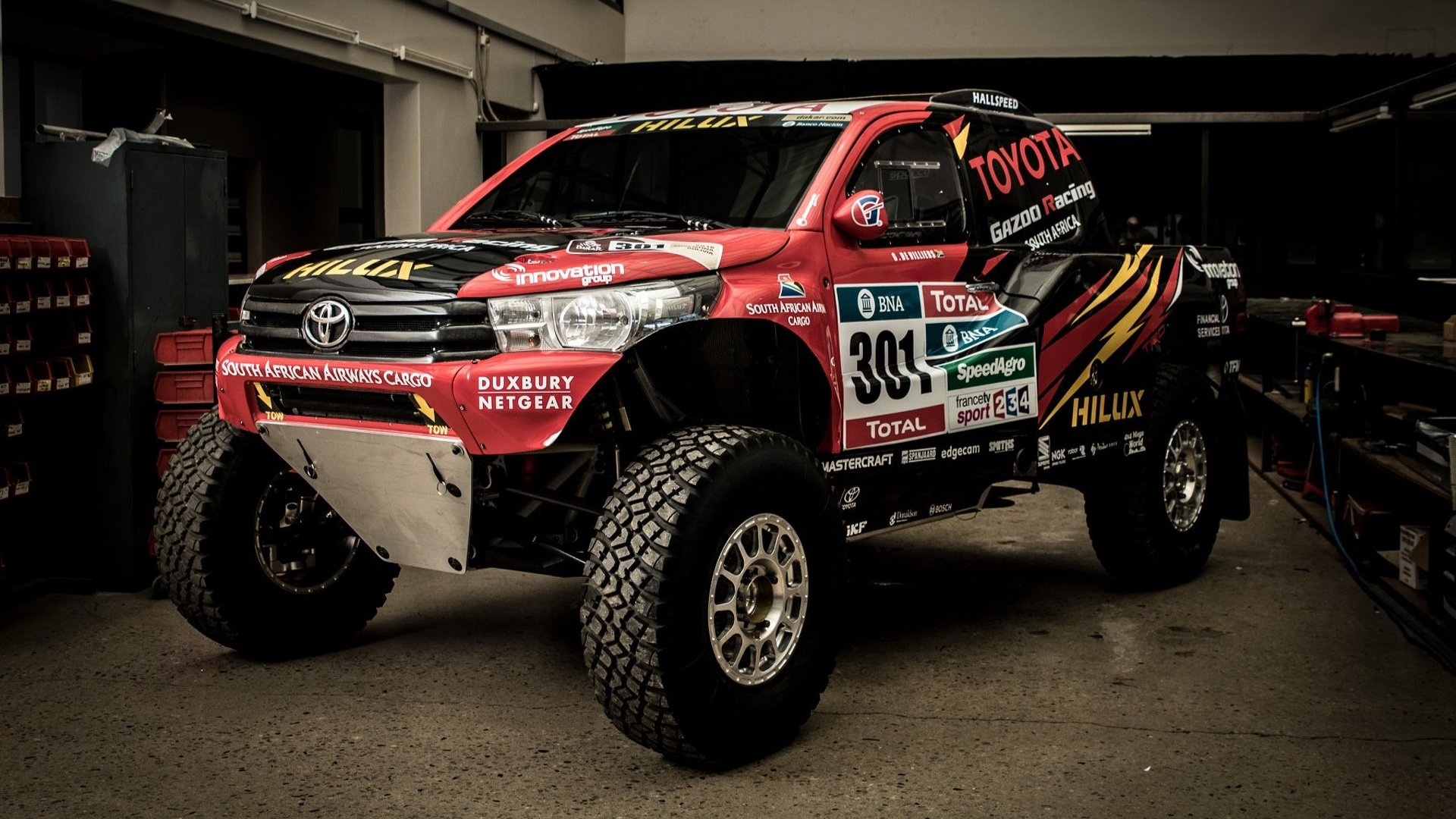 toyota gazoo reveals radical hilux evo ahead of 2017 dakar rally. Black Bedroom Furniture Sets. Home Design Ideas