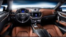 Nuova Maserati Ghibli in colore Blu Emozione