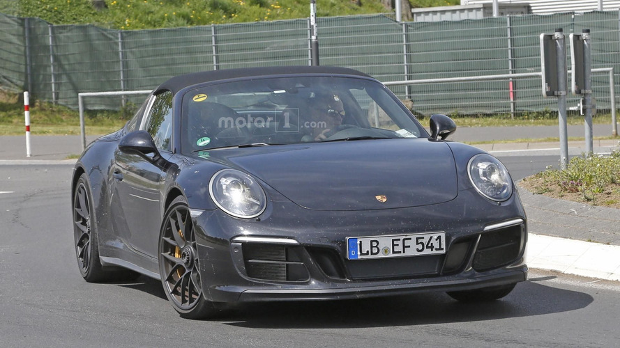 2017 Porsche 911 Targa GTS spy photos