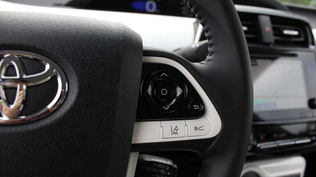 Brilliant 2017 Toyota Prius Prime Review Photo