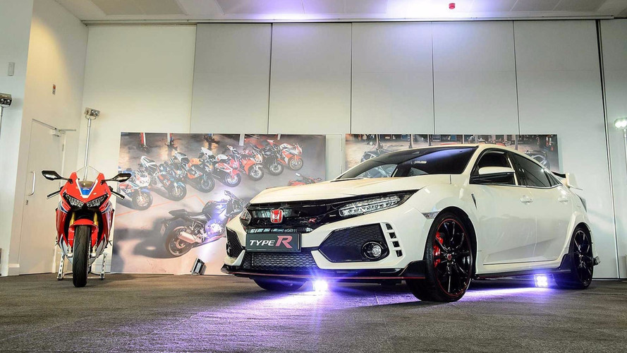 Honda Celebrates 25 Years Of Type R And Fireblade Performance