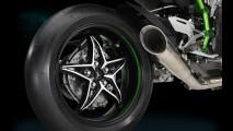 Insano! Kawasaki Ninja H2R atinge 331 km/h em circuito de rua - veja vídeo