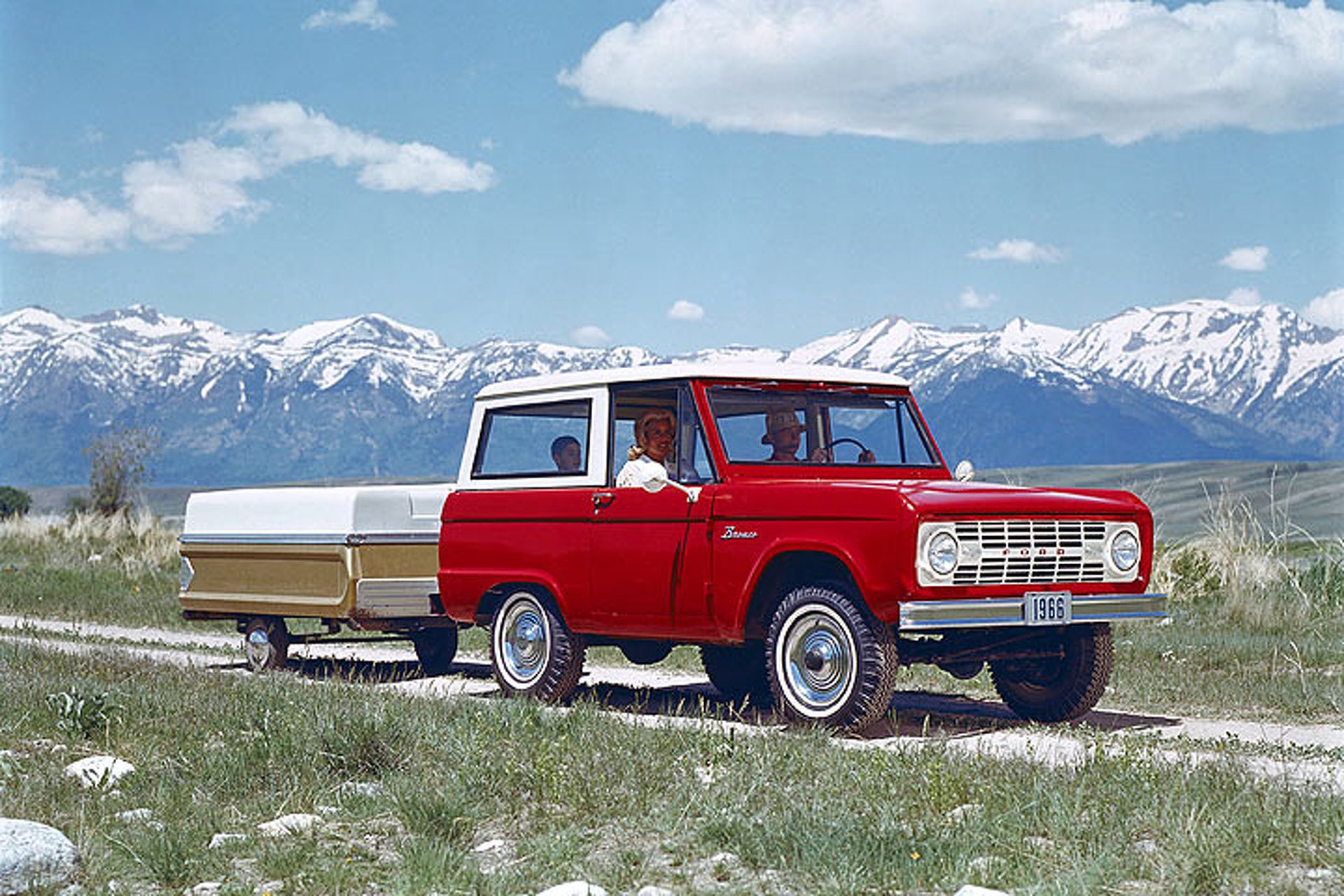3 Reasons the Ford Bronco Could Return, And 3 Reasons It Won't