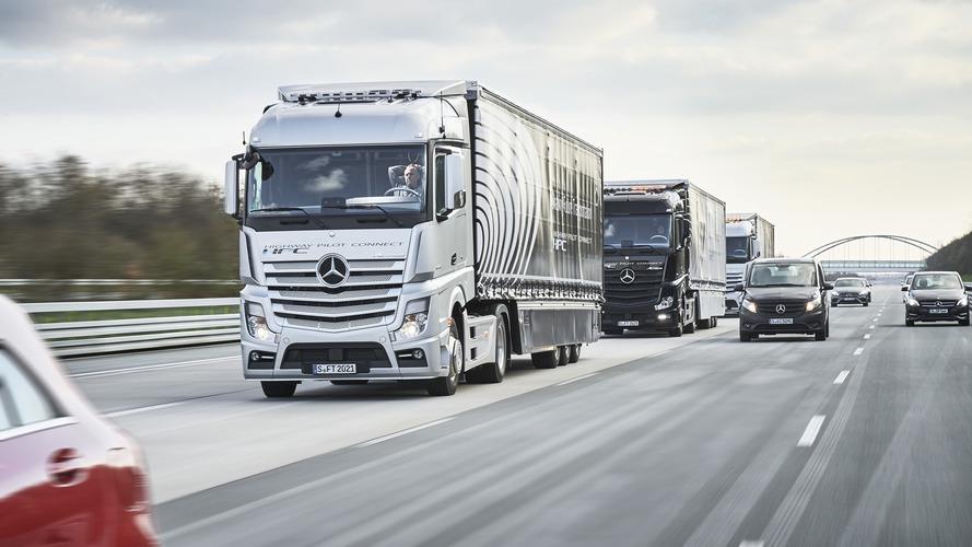 Autonomous Mercedes Trucks trio travels from Stuttgart to Rotterdam