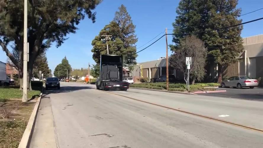 Tesla Semi Smokes Its Tires Under Acceleration