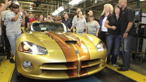 Last Dodge Viper delivered on the production line [video]