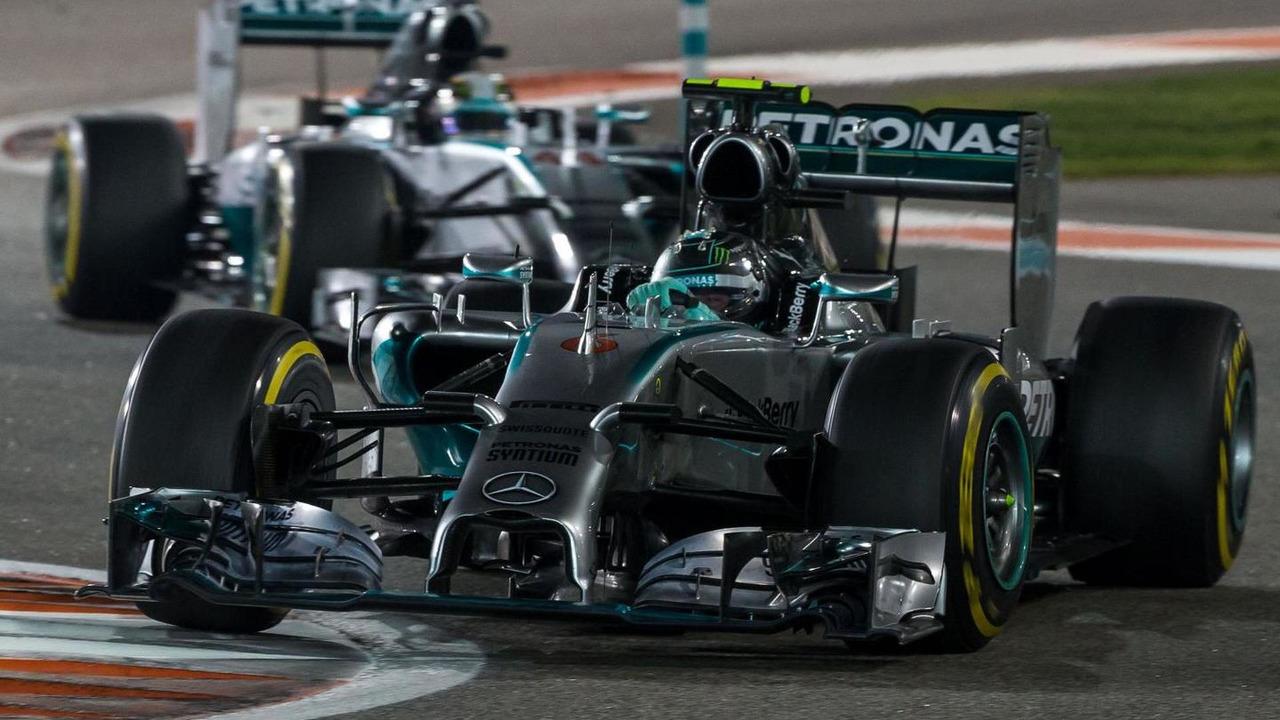 Nico Rosberg (GER) leads team mate Lewis Hamilton (GBR), 23.11.2014, Abu Dhabi Grand Prix, Yas Marina Circuit / XPB