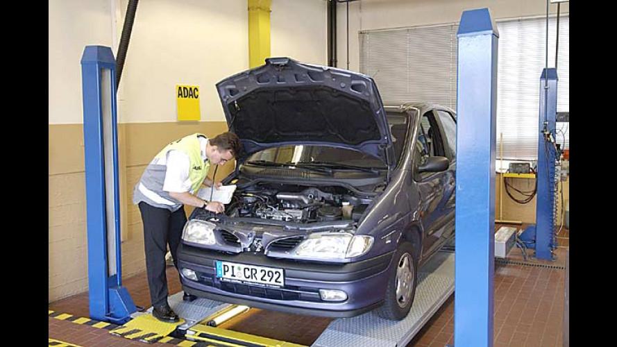 ADAC Werkstatttest 2004: VW glänzt auf der (Hebe-)Bühne