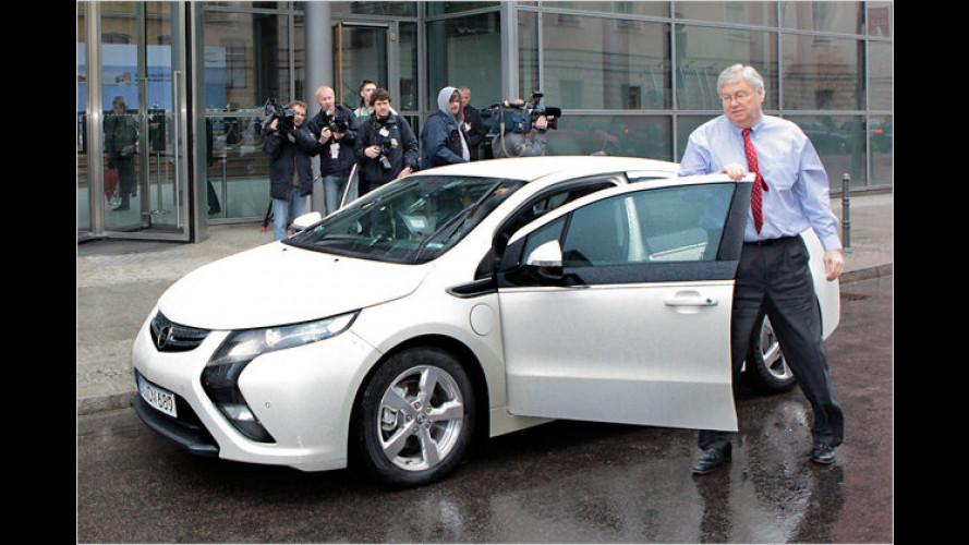 Gipfel Elektromobilität: Auflauf der E-Autos in Berlin