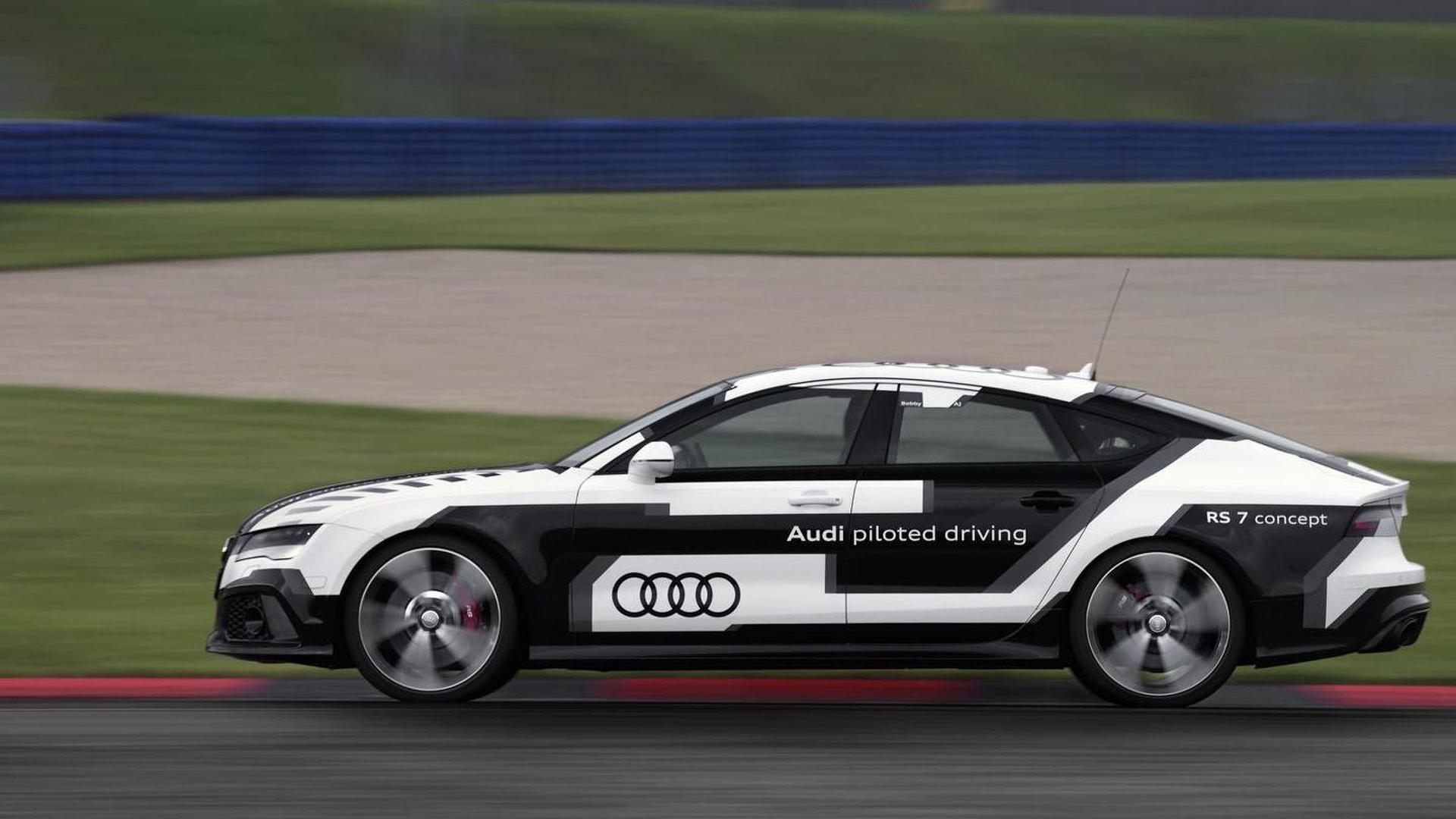 Испытания Audi RS7 Piloted Driving Concept