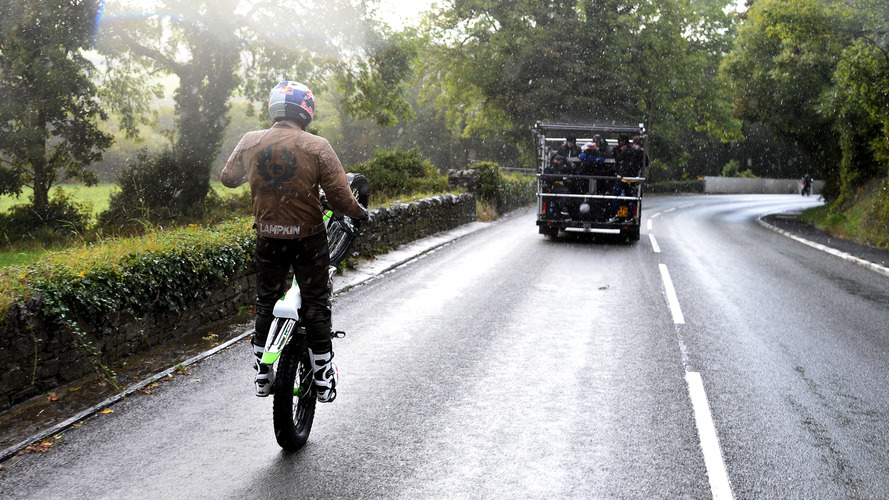 Dougie Lampkin mono-wheeling Isle of Man course