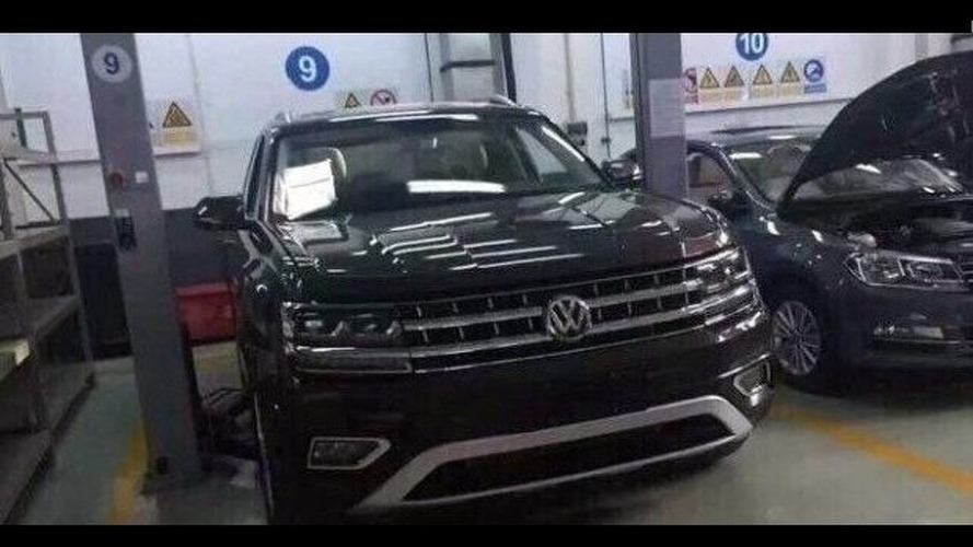 VW Teramont spied inside and out without any camo