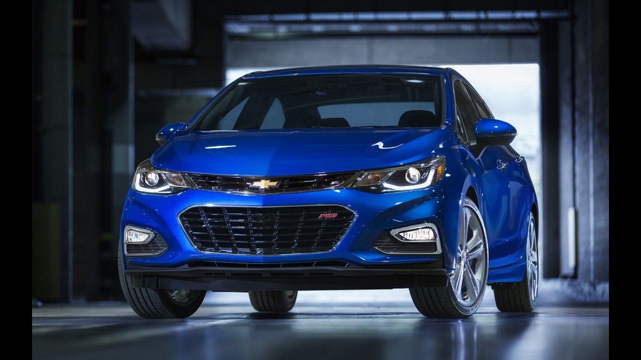 Flagra! Nova geração do Chevrolet Cruze já roda no Brasil