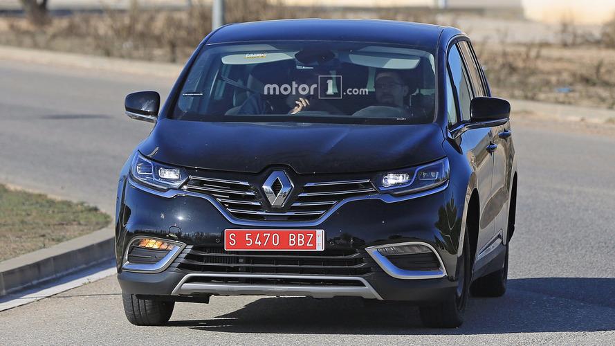 Renault Espace test mule spy photos