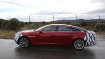 2015 Jaguar XJ facelift spy photo 19.11.2013
