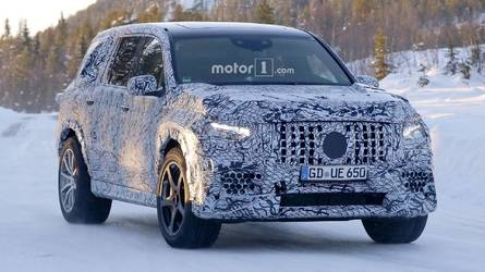 Mercedes-AMG GLS 63 Spied Masking Panamericana Grille [UPDATE]